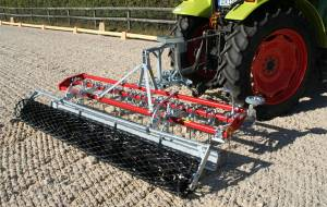 Lattice roller for riding grounds